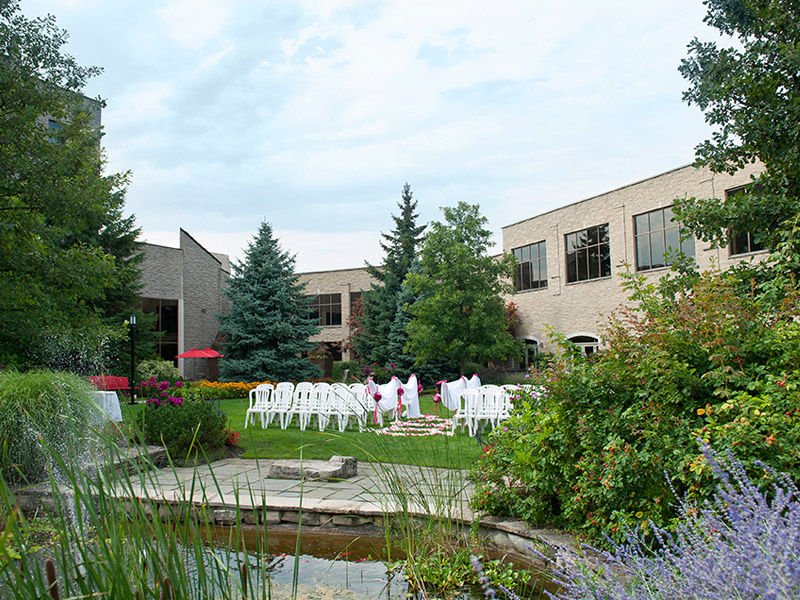 amazing Niagara garden wedding facilities
