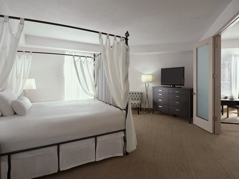 Niagara-on-the-Lake deluxe suite