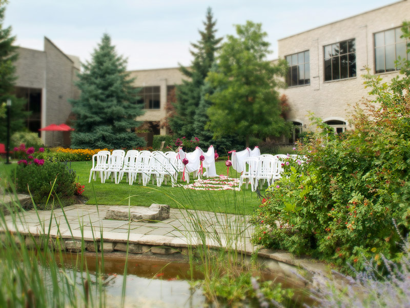 Have your dream wedding at White Oaks Niagara